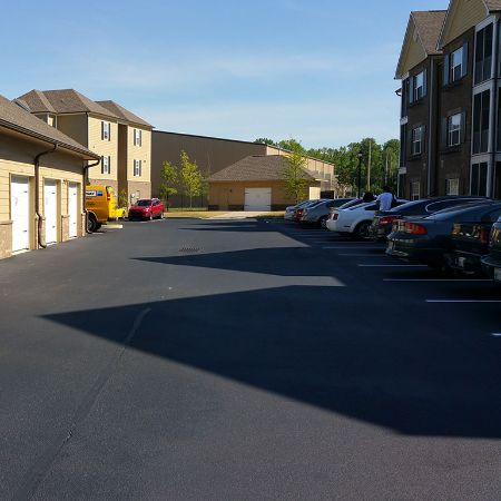 asphalt paving contractor
